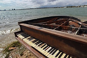 Mysterious Piano Appears In Middle of Biscayne Bay