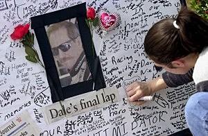 Fans Mourn at Earnhardt Memorial