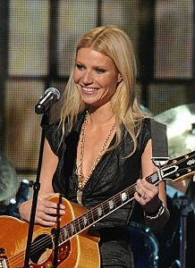 Paltrow at CMA's