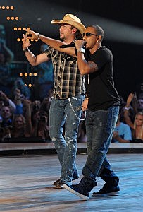 2011 CMT Music Awards -Jason Aldean and Ludacris