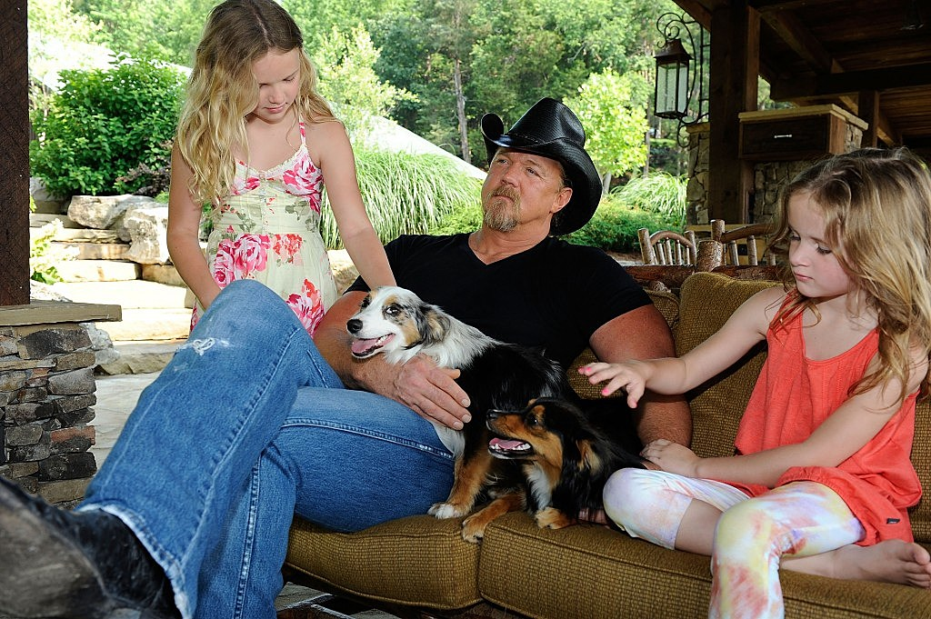 Trace Adkins and Daughters
