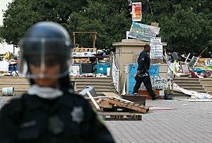 Police Shut Down Occupy Oakland Encampment