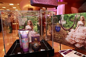 Taylor Swift's Wonderstruck Fragrance Launch