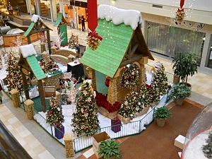 Christmas Decorations At Colonie Center