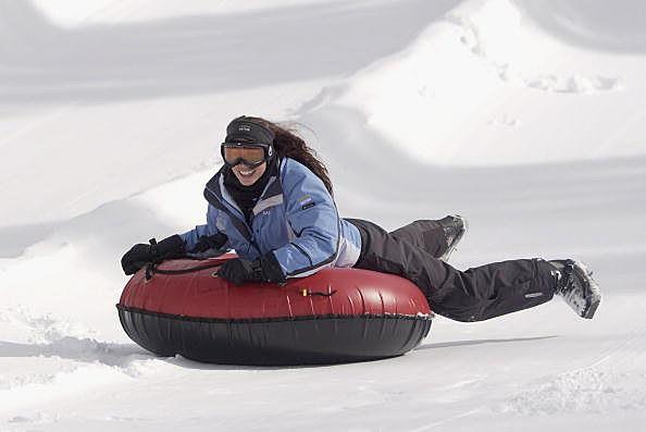 Actress Shannon Elizabeth goes tubing
