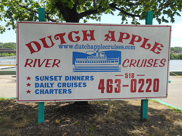 Dutch Apple Sign