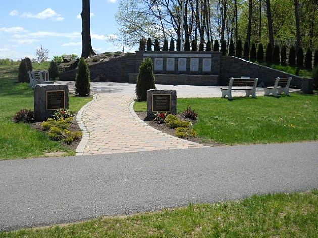 Veteran's Memorial At Crossings of Colonie