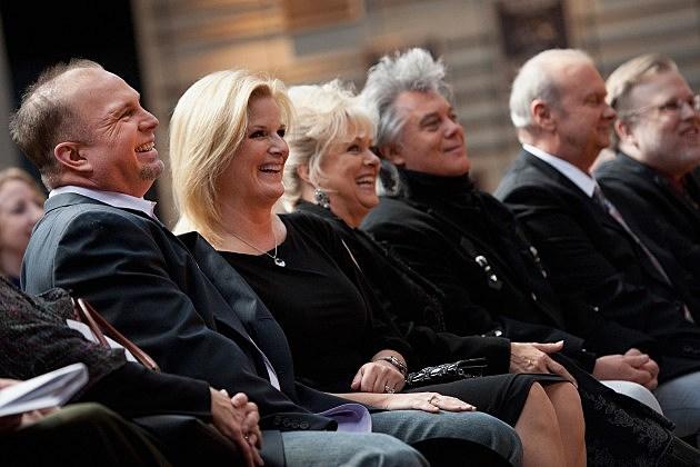 Garth Brooks, Trisha Yearwood, Connie Smith, Marty Stuart, Hargus 'Pig' Robbins