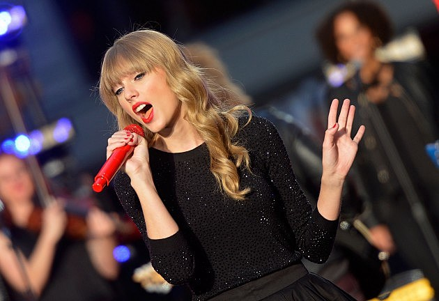"Taylor Swift Performs On ABC's ""Good Morning America"""