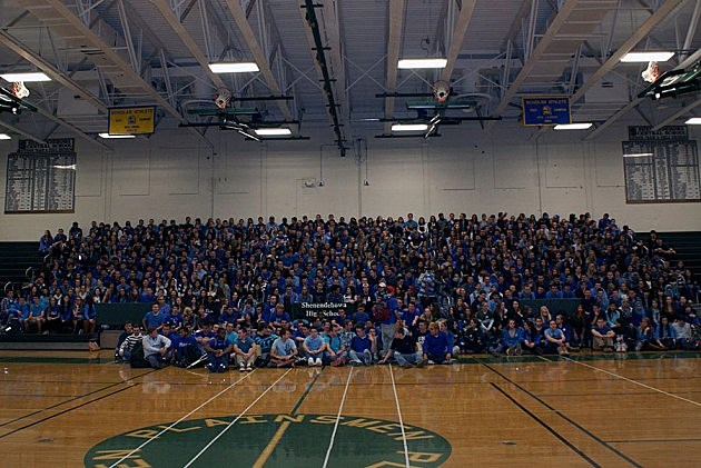 Shenendehowa Students Wear Blue To Honor Shaker High Victim
