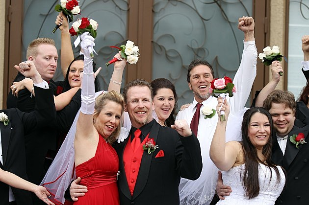 "Couples Flock To Vegas To Say ""I Do"" On 12-12-12"