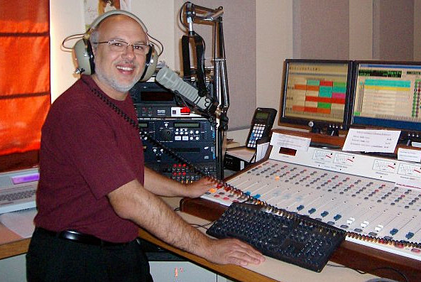 """Bro."" Lou Roberts in the GNA studio on the Cryin', Lovin' or Leavin' Show"