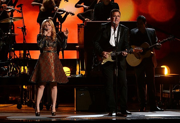 Kelly Clarkson and Vince Gill at the 46th Annual CMA Awards
