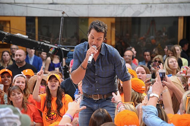 "Luke Bryan Performs On NBC's ""Today"""