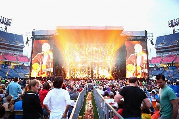 2013 CMA Music Festival - Day 2