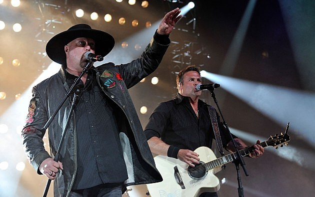 Montgomery Gentry performing