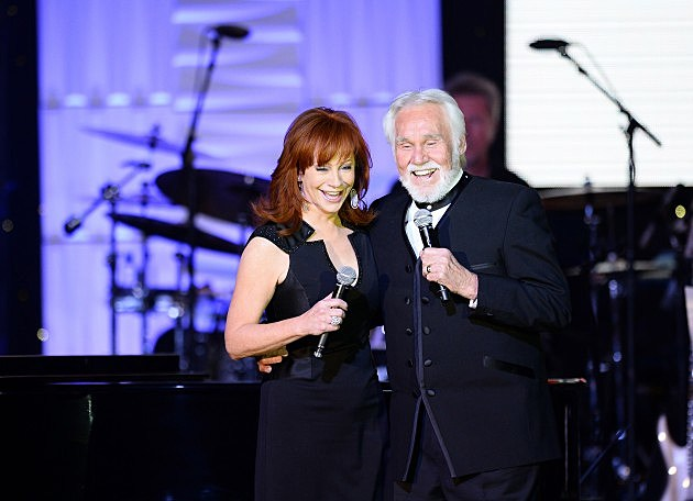 Reba and Kenny at Muhammad Ali's Celebrity Fight Night XX - Inside