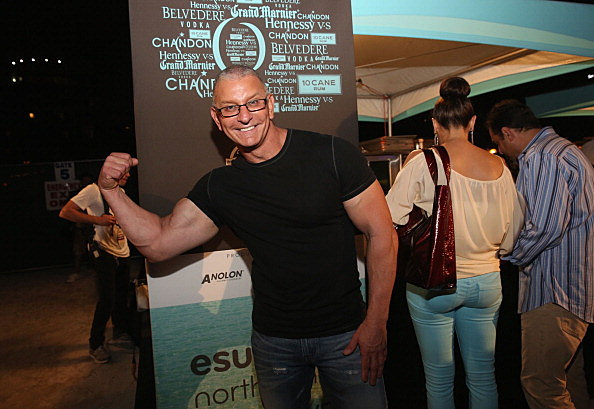 Chef Robert Irvine - Moet Hennessy's The Q Presented By Creekstone Farms Sponsored By Miami Magazine Hosted By Michael Symon Featuring The 2014 Sports Illustrated Swimsuit Models - Food Network South Beach Wine & Food Festival