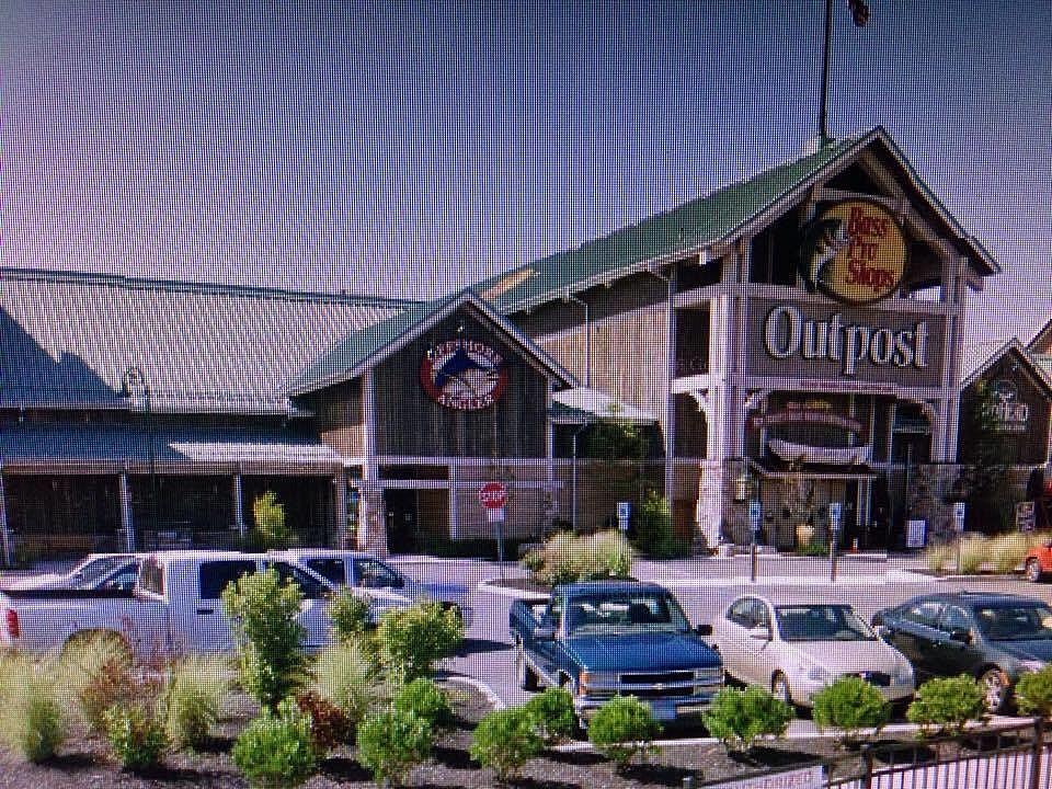 Bass Pro Shop Credit Google Maps