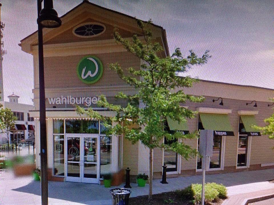 wahlburgers credit Google Maps